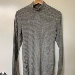 Aritzia Wilfred Turtleneck Longsleeve Shirt